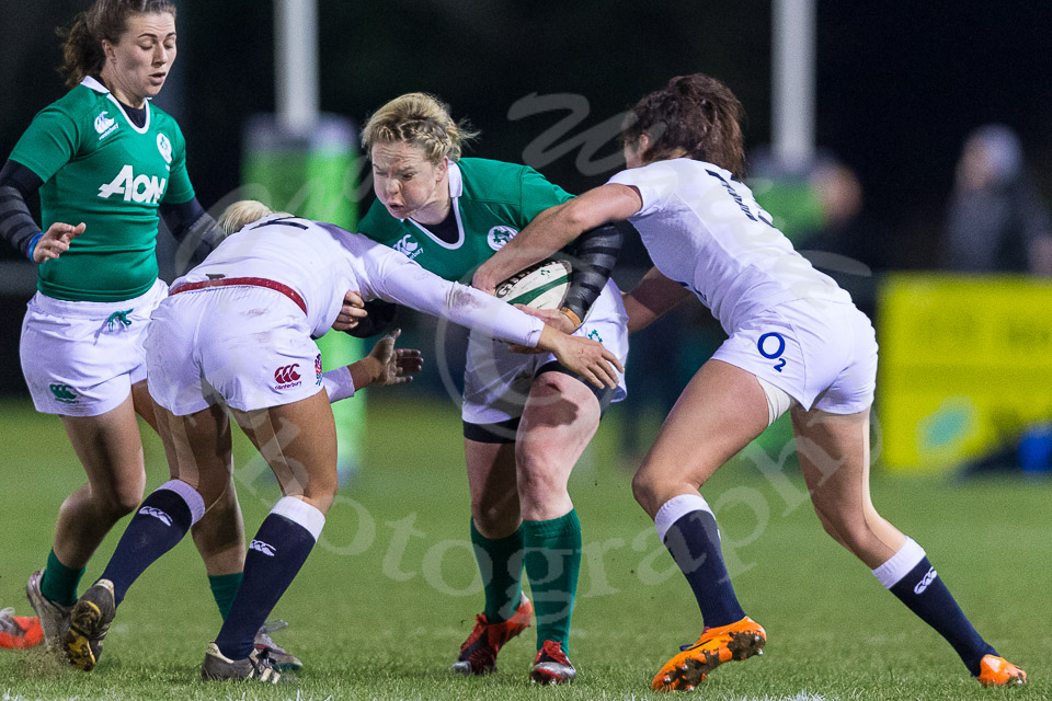Niamh Briggs tackled
